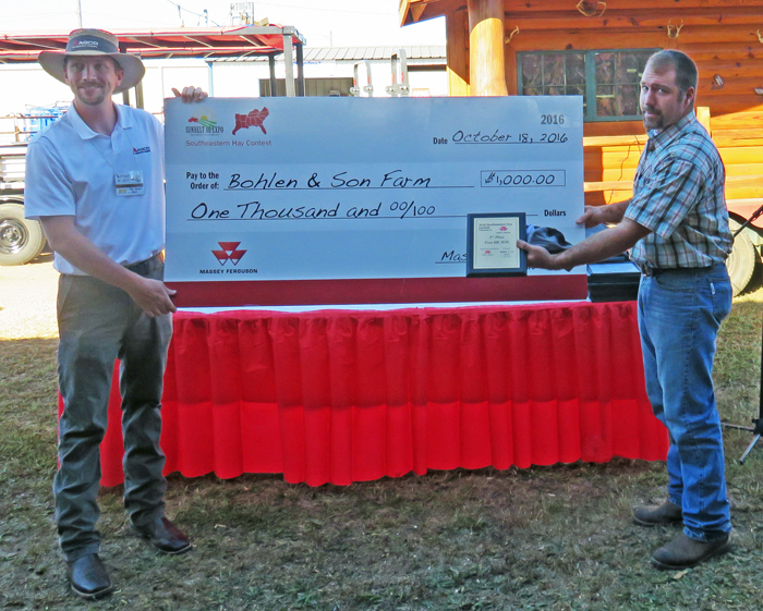 Boheln & Son Farms was the overall grand prize winner with their 1st place alfalfa hay entry with an RFQ score of 254. Photo credit: Doug Mayo